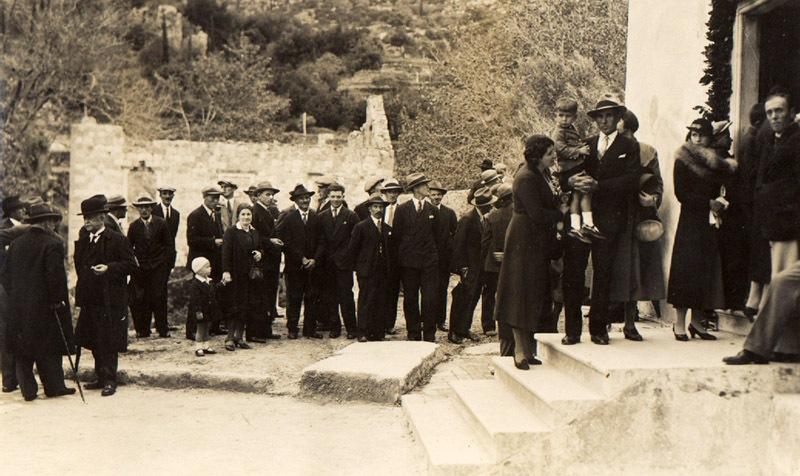 1937-Mlini-ispred-crkve
